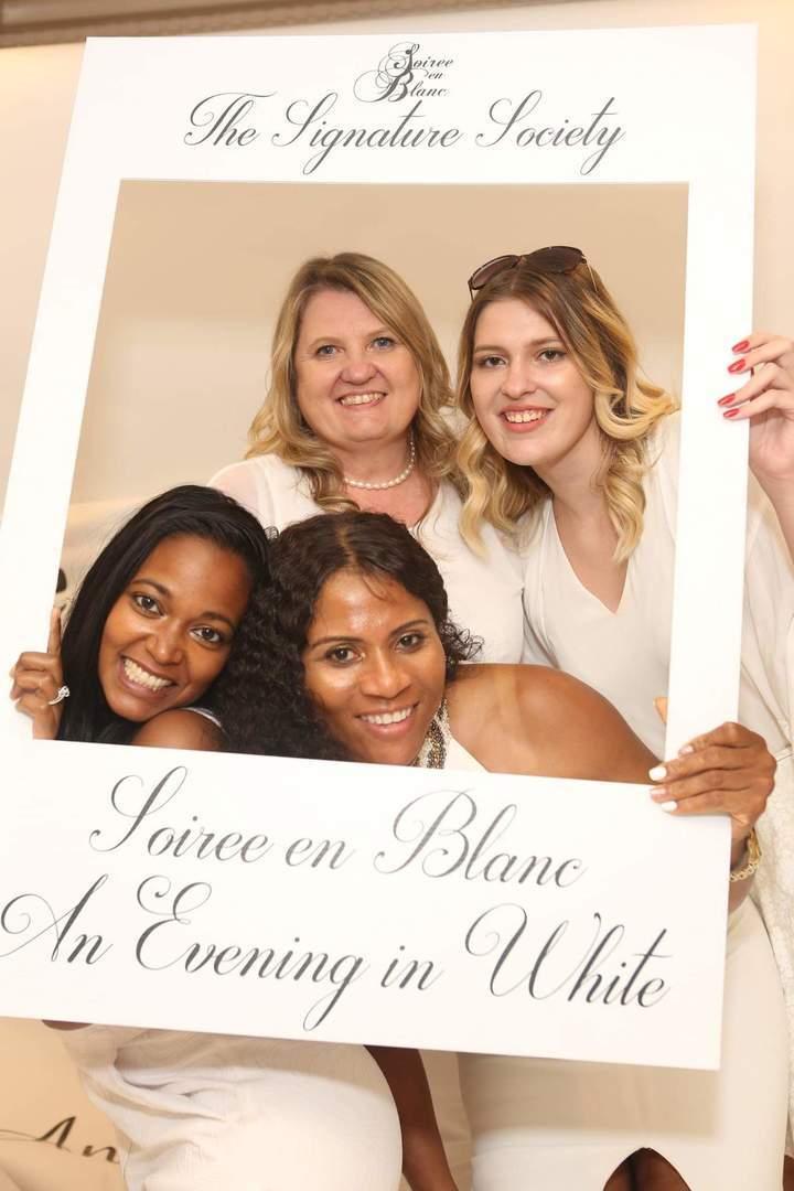 Soiree en Blanc - a Gala in White - Soiree en Blanc - a Gala in White