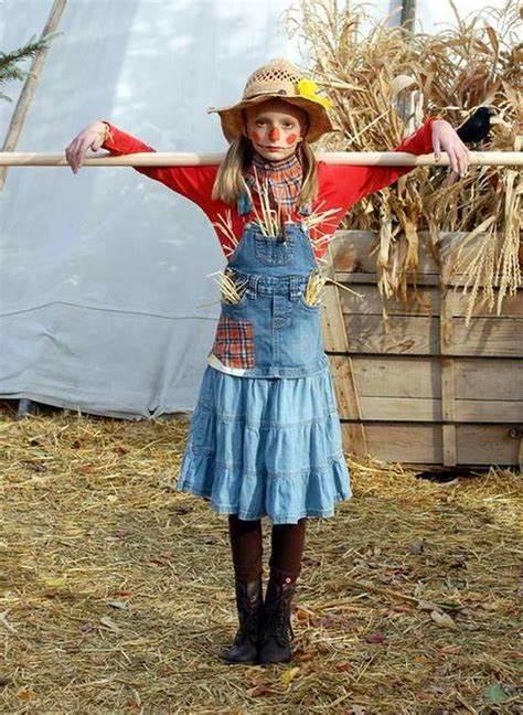 Kids Scarecrow Costume Contest